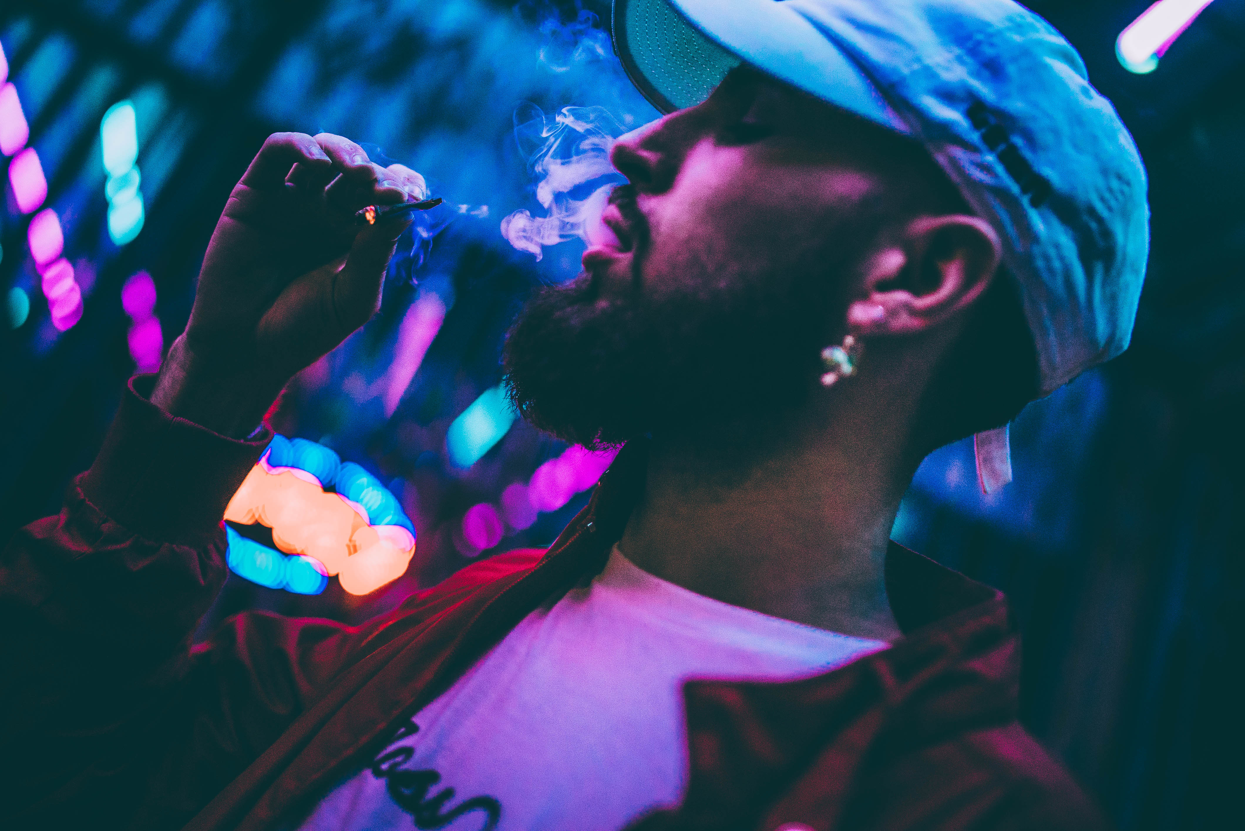Video: @itsCOOLgrande - I Been Smoking Weed All Day - Hustle & Grynd